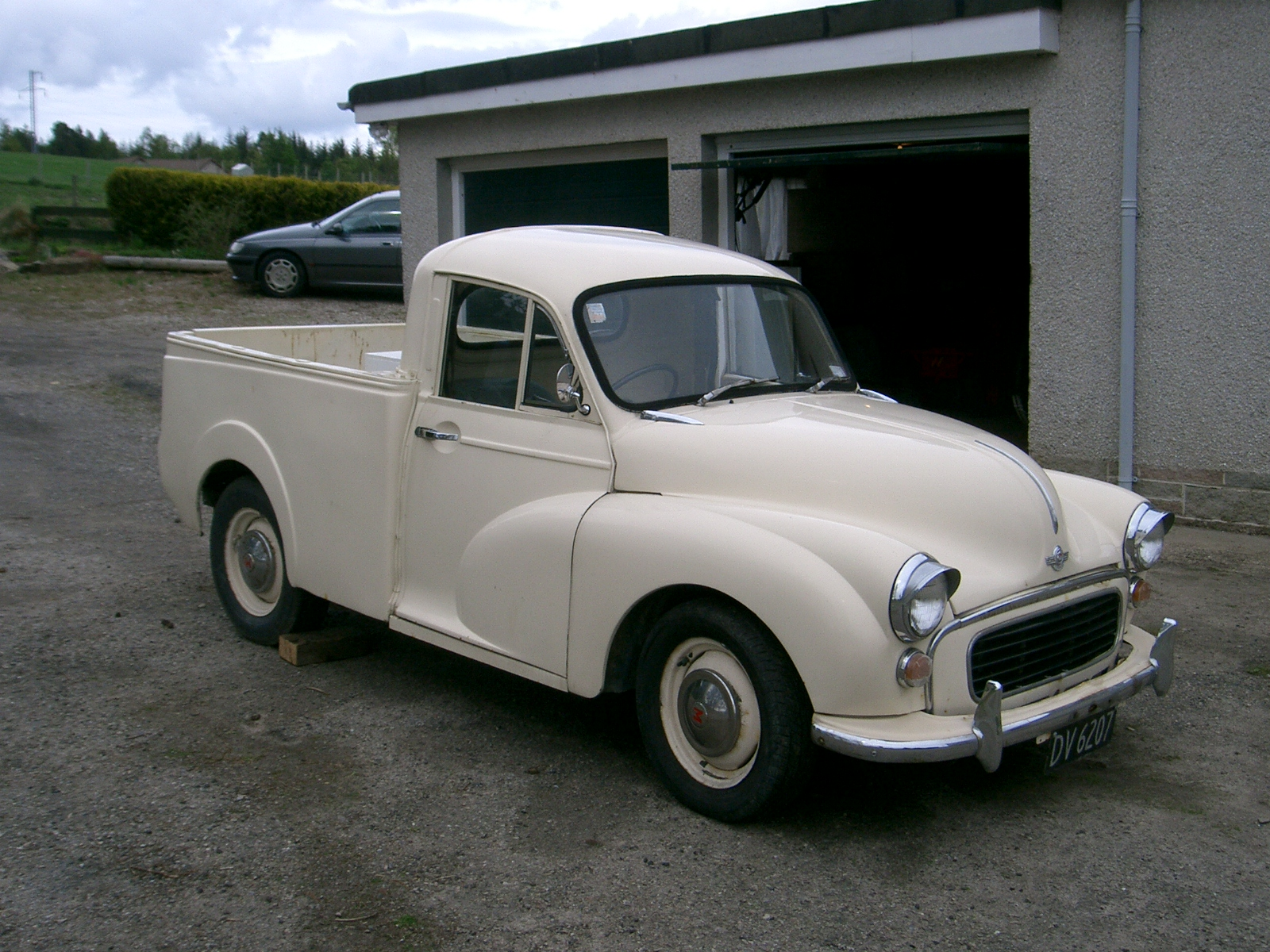 Morris Minor - Chris Tran's